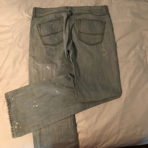 Men's light wash slim fit jean